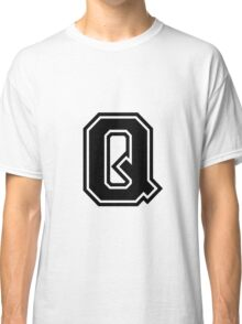 "Letter ""Q""  - Varsity / Collegiate Font - Black Print Classic T-Shirt"
