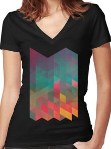byych fyre Women's Fitted V-Neck T-Shirt