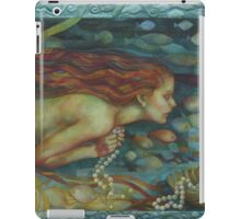 necklace of pearls iPad Case/Skin