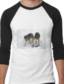 A pair of European gray wolves (Canis lupus), in snow, Finland, Lapland Men's Baseball ¾ T-Shirt