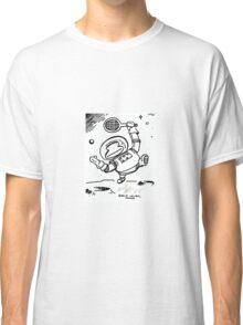 Space Ape Serves Tennis Ball Classic T-Shirt