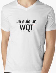 Le WQT est un animal aquatique nocturne. Mens V-Neck T-Shirt