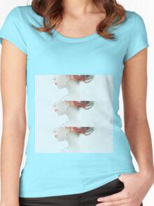 Girl in wonderland Women's Fitted Scoop T-Shirt