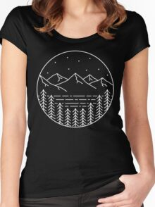 MOUNTAIN RANGE Women's Fitted Scoop T-Shirt