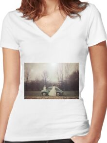 Two nymphes Women's Fitted V-Neck T-Shirt