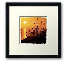 J'ai épinglé le soleil Framed Print