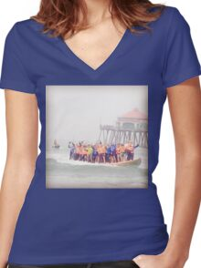 Surfboard World Record 2015 Women's Fitted V-Neck T-Shirt