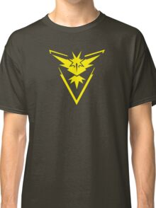 Pokemon GO: Team Instinct - Clean (Yellow Team) Classic T-Shirt