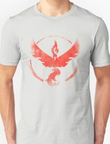 Team Valor grunge red Unisex T-Shirt