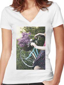 Collecting lilac Women's Fitted V-Neck T-Shirt