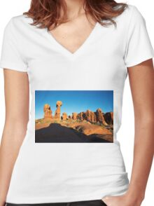 Arches NP XIX Color Women's Fitted V-Neck T-Shirt