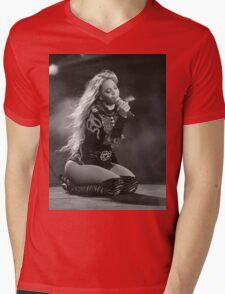 Beyoncé Knowles 1+1 LIVE Mens V-Neck T-Shirt