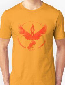 Team Valor grunge red - black bg Unisex T-Shirt