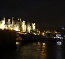 Conwy Castle  and river by Johindes