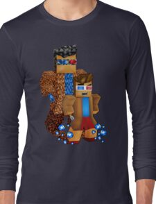 8bit boy with 10th Doctor shadow Long Sleeve T-Shirt