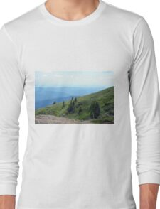 Natural mountains scenery with trees and cloudy sky. T-Shirt
