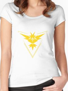 Pokemon GO Yellow Team Instinct Women's Fitted Scoop T-Shirt
