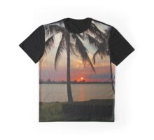 Sunsetting Graphic T-Shirt
