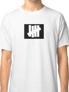 UNDEFEATED Classic T-Shirt
