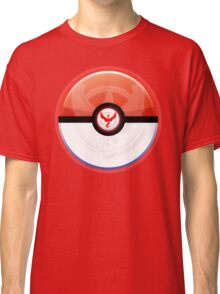 Pokémon GO - Team Valor: Moltres Classic T-Shirt