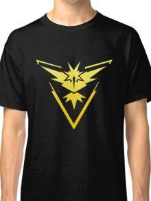 Team Instinct Pokemon Go gradient zapdos no text Classic T-Shirt