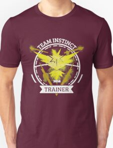 ♥ Team Instinct ♥ Unisex T-Shirt