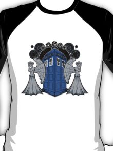 Weeping Angels and the Tardis T-Shirt