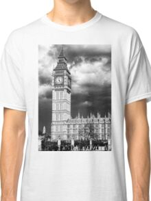 Storm Clouds Gather over Big Ben and the Houses of Parliament Classic T-Shirt