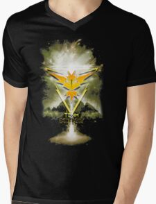 Team Instinct Yellow pokemon go Mens V-Neck T-Shirt