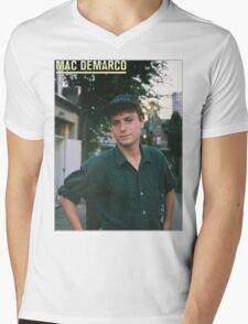 Mac Demarco zine cover Mens V-Neck T-Shirt