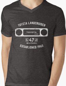 Toyota 40 Series Landcruiser HJ47 Square Bezel Est. 1960 Mens V-Neck T-Shirt