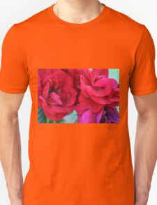 Pink roses, natural composition. Unisex T-Shirt