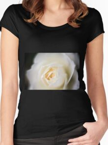selective focus close up of a white rose flower Women's Fitted Scoop T-Shirt