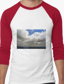 Natural scenery with mountain view and cloudy sky. Men's Baseball ¾ T-Shirt