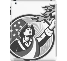 American Patriot Holding Torch Circle Grayscale iPad Case/Skin
