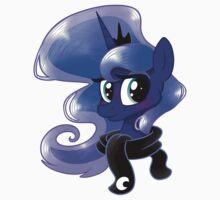 Luna in a scarf Kids Tee