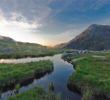 Cwn Idwal, Snowdonia by RossDavidson