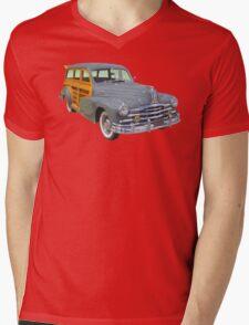1948 Pontiac Silver Streak Woody Antique Car Mens V-Neck T-Shirt