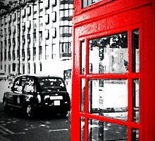 A London Red Phone Box by paulmuscat
