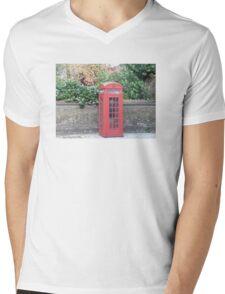 London Telephone Box Mens V-Neck T-Shirt