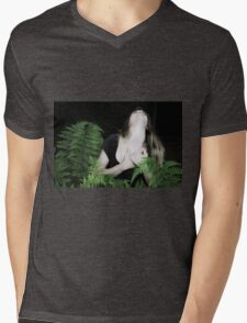 Ardwinna and the cut tree Mens V-Neck T-Shirt