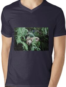 Faint Ardwinna Mens V-Neck T-Shirt