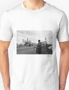Artist at work - Notre Dame - Paris, France Unisex T-Shirt