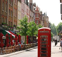 London Telephone Booth by EmmaBrittain