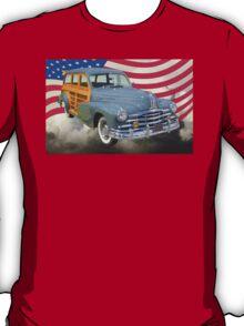1948 Pontiac Silver Streak Woody And American Flag T-Shirt