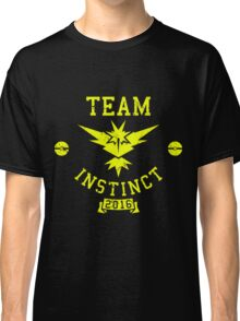 team instinct - pokemon Classic T-Shirt