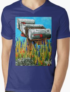 Rural Water Cooler Mail Mailbox Wildflowers Beautiful Country Mens V-Neck T-Shirt