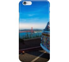 VW Bus vor Golden Gate Bridge iPhone Case/Skin