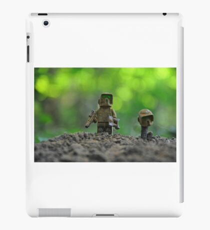 Last breath of the Kashyyyk trooper... iPad Case/Skin