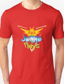 Jonno Plays Pokémon GO! Unisex T-Shirt